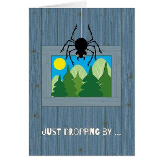 Niños en la araña del campamento de verano que cae tarjeta de felicitación