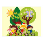 Niños en las bicis tarjetas postales