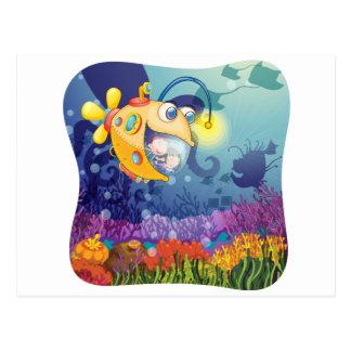 Niños en submarino debajo del agua postales