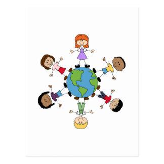 Niños en todo el mundo tarjeta postal
