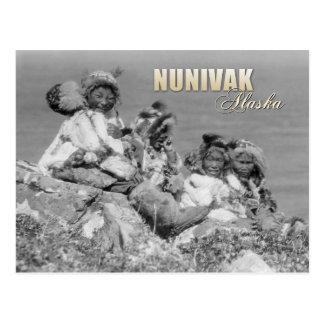 Niños esquimales en el traje, Nunivak, Alaska Postal