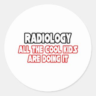 Niños frescos de la radiología… pegatina redonda