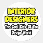 Niños frescos de los interioristas… del mundo del etiquetas redondas