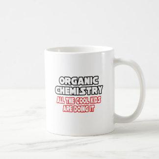 Niños frescos orgánicos de la química… tazas
