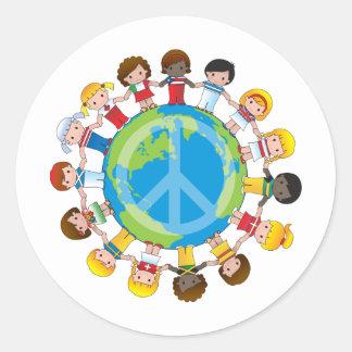 Niños globales etiqueta redonda