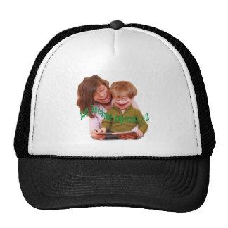 Niños graciosamente gorras