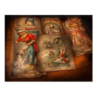Niños - libros - cuentos de hadas postal