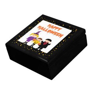 Niños lindos del truco o de la invitación del feli caja de regalo
