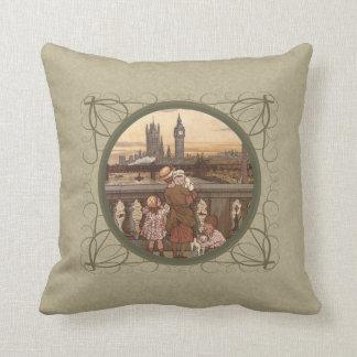 Niños lindos del vintage en el puente de Londres Cojines