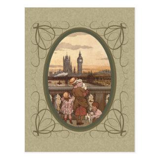 Niños lindos del vintage en el puente de Londres Postal