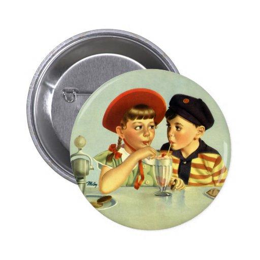 Niños, muchacho y chica del vintage compartiendo u pins