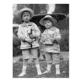Niños pequeños con Toys, 1915 Postal