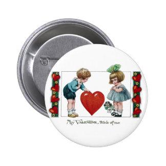 Niños, perro y tarjeta del día de San Valentín gra Pins