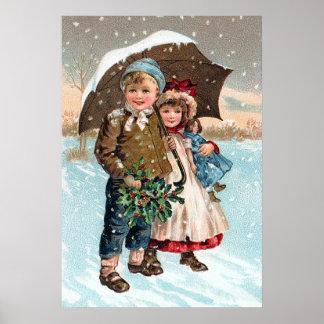 Niños que caminan a través de la nieve posters