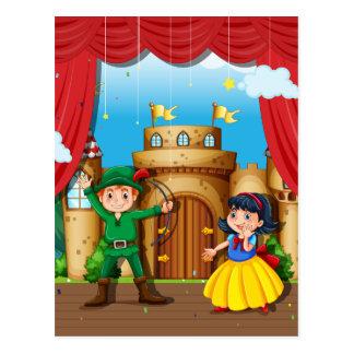 Niños que hacen drama de la etapa tarjeta postal
