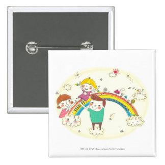 Niños que juegan en el arco iris pin cuadrada 5 cm