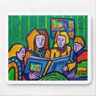 Niños que leen por Piliero Tapetes De Ratones