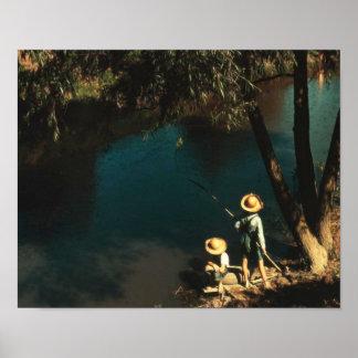 Niños que pescan en el vintage del pantano póster