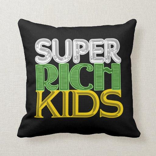 Niños ricos estupendos cojines