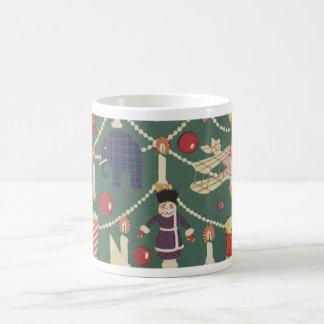 Niños y árbol de navidad - ejemplo del vintage taza clásica