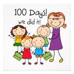 Niños y profesor de sexo femenino 100 días invitacion personal