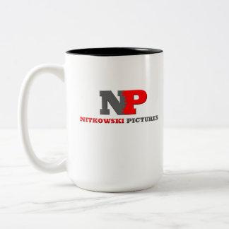 Nitkowski representa la taza