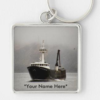 No. 1, barco del Aleutian del cangrejo en el puert Llavero Cuadrado Plateado