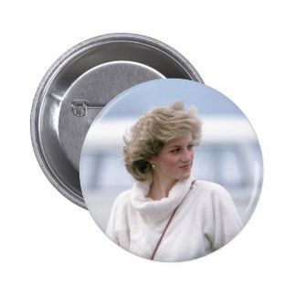 No.31 Princess Diana arrives at Zurich Airport in Pinback Button