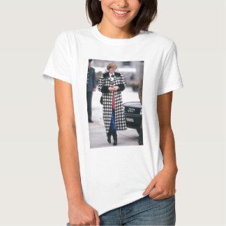 No.32 Princess Diana arrives for a skiing holiday T Shirt