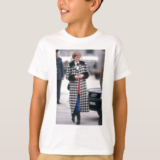 No.32 Princess Diana arrives for a skiing holiday T-Shirt