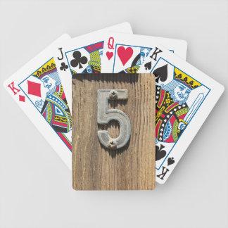 No. 5 en los naipes de encargo de madera barajas de cartas