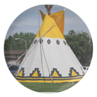 No # 9 Dinner Plate, Crow Style Yellow Teepee MT. Melamine Plate