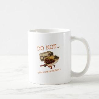 No abra una poder de gusanos tazas de café
