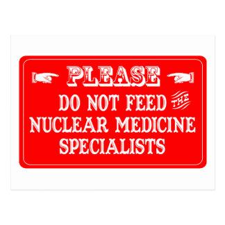 No alimente a los especialistas nucleares de la tarjeta postal