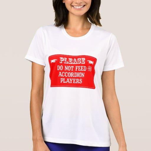 No alimente a los jugadores del acordeón camisetas