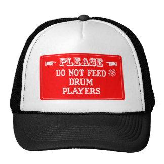 No alimente a los jugadores del tambor gorras de camionero