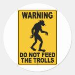 No alimente los duendes pegatinas redondas