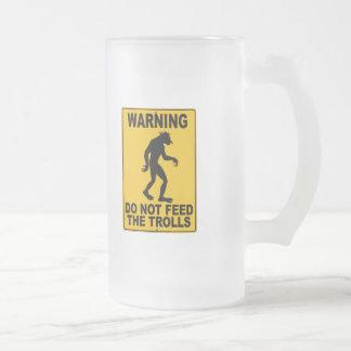 No alimente los duendes tazas de café