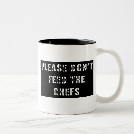 No alimente por favor a los cocineros tazas