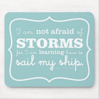 No asustado de las tormentas - turquesa tapetes de ratón