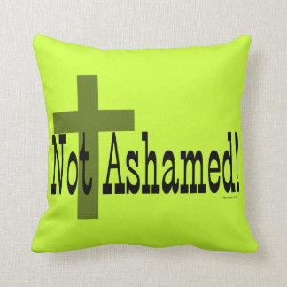 ¡No avergonzado! 1:16 de los romanos (con la cruz) Cojín