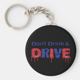 No beba y no conduzca llaveros personalizados