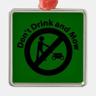 No beba y no siegue adorno cuadrado plateado