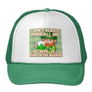 No bebo siempre todo el día… el Leprechaun Meme Gorros Bordados