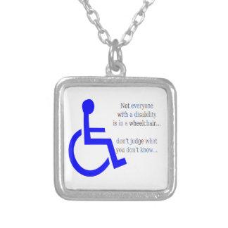 No cada uno con una incapacidad está en una silla colgante cuadrado