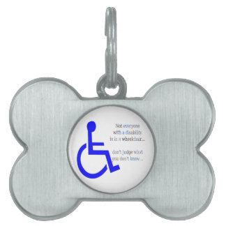 No cada uno con una incapacidad está en una silla placas mascota