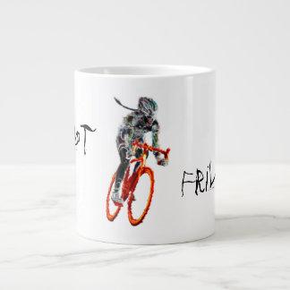 No con volantes.  Ciclista y llamas femeninos Taza Grande