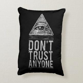 No confíe en cualquier persona cojín decorativo