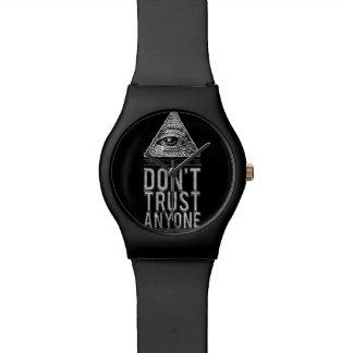 No confíe en cualquier persona reloj de mano