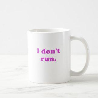 No corro taza básica blanca